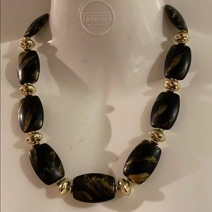 EUC- 1980's Black & Gold Necklace- Unique !!!